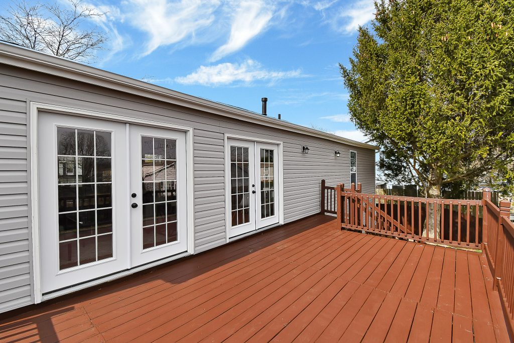 Deck 5968 Waterview Drive 39